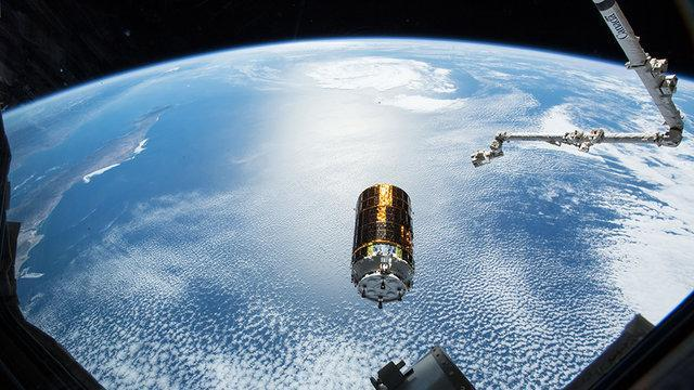 رهایی فضاپیمای ژاپنی از دست بازوی ایستگاه فضایی بین المللی