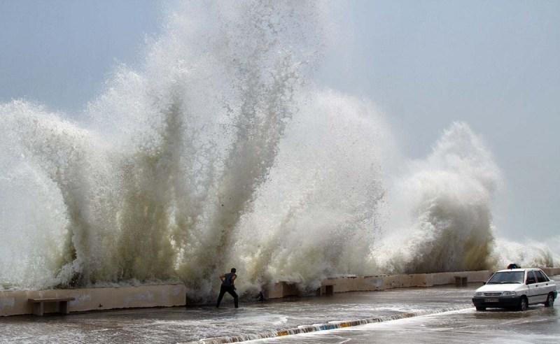 وزش باد شدید و افزایش ارتفاع موج در خلیج فارس
