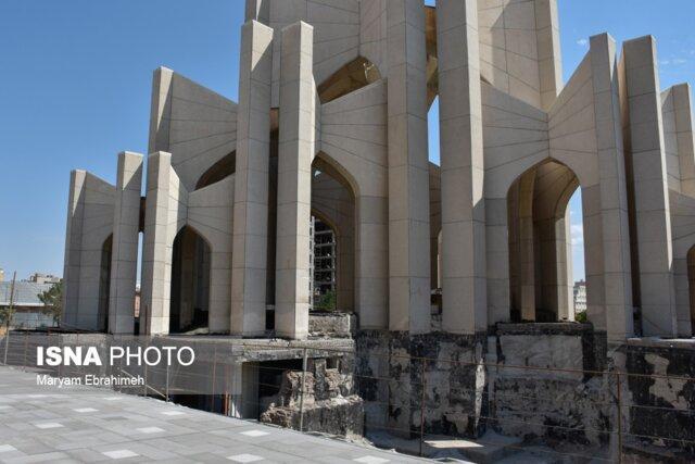 مدفن بیش از 400 شاعر و نامی به حال خود رها شده!