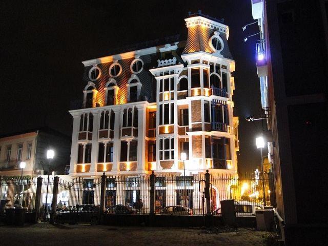 هتل اولد تاون باتومی و عکس و رزرو