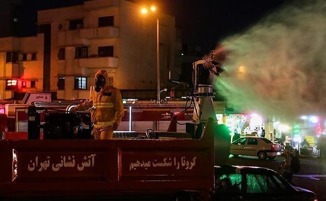 آتش نشانی در ایام عید هم مشغول خدمت به مردم است، مبارزه با کرونا وظیفه ملی همه ماست
