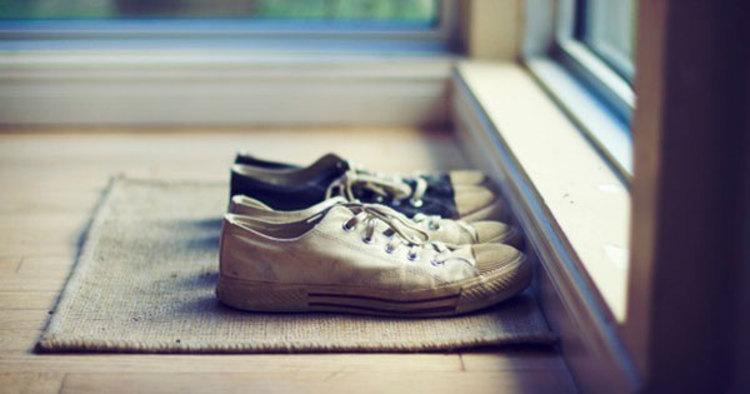 آیا گذاشتن کفش در راهروی آپارتمان ها ممنوع است؟
