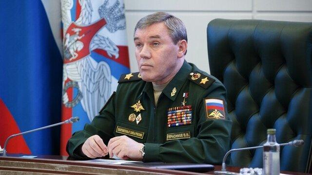 گفت وگوی رئیس ستاد کل ارتش روسیه و یک فرمانده ارشد ناتو