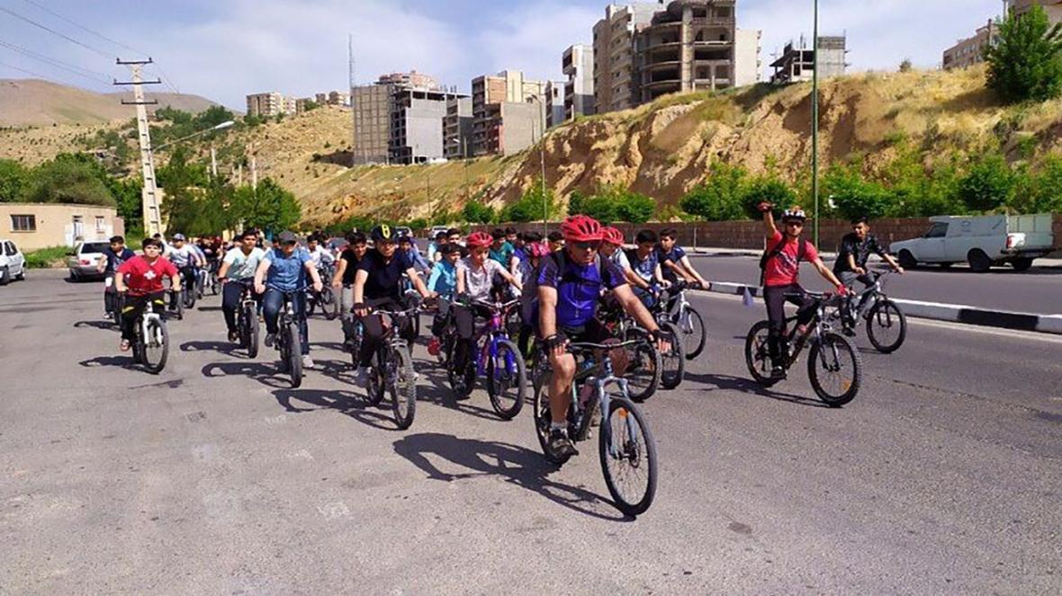رکابزنی مهابادی ها برای گرامیداشت یاد اولین دوچرخه سوار حرفه ای شهرشان