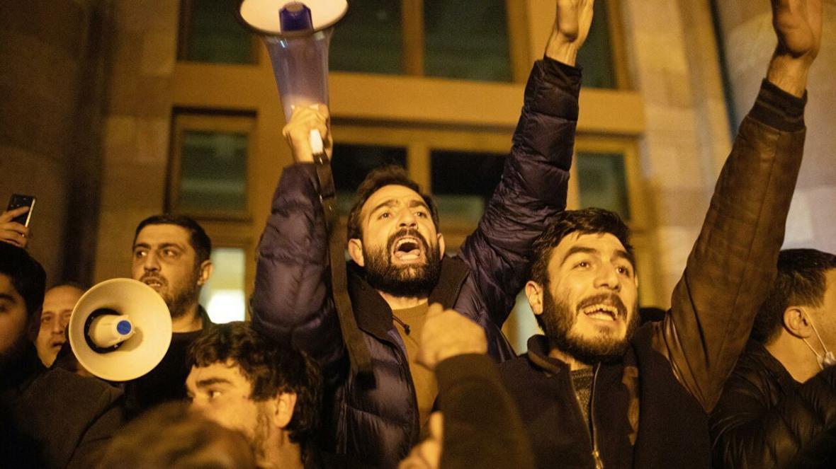 مخالفان دولت ارمنستان خواهان استعفای نخست وزیر شدند