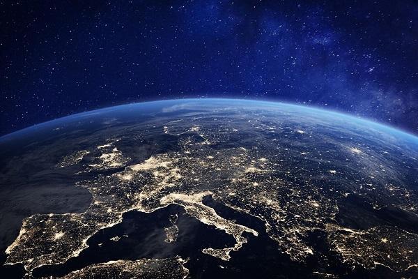 فضا؛ برخلاف تصورات عامه