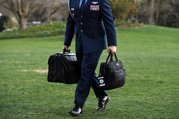ترامپ چمدان هسته ای را از واشنگتن خارج می نماید