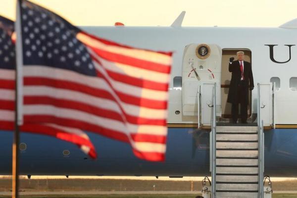 بلومبرگ: دونالد ترامپ صبح چهارشنبه با ایرفورس وان به فلوریدا می رود