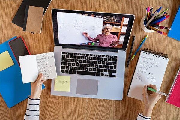 فواید کلاس های مجازی برای دانش آموزان و کنکوری ها، بی دغدغه مطالعه کنید